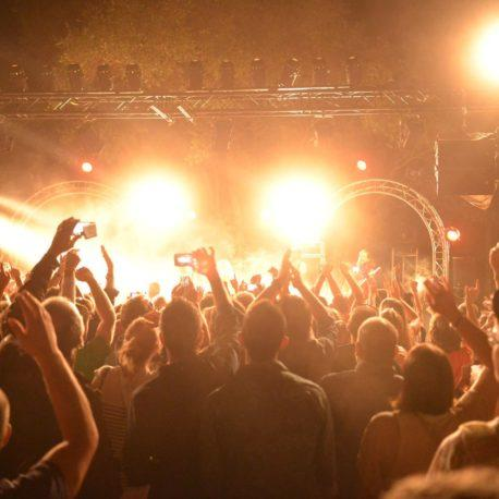 Live Music & Entertainment