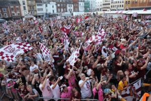Cobbers Crowd Northampton